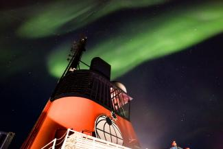 Northern lights over Polarstern icebreaker, by Stefan Hendricks, Alfred Wegener Institute